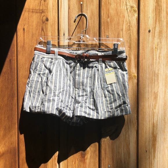 Forever 21 Pants - Forever 21| Striped Shorts w/ Belt